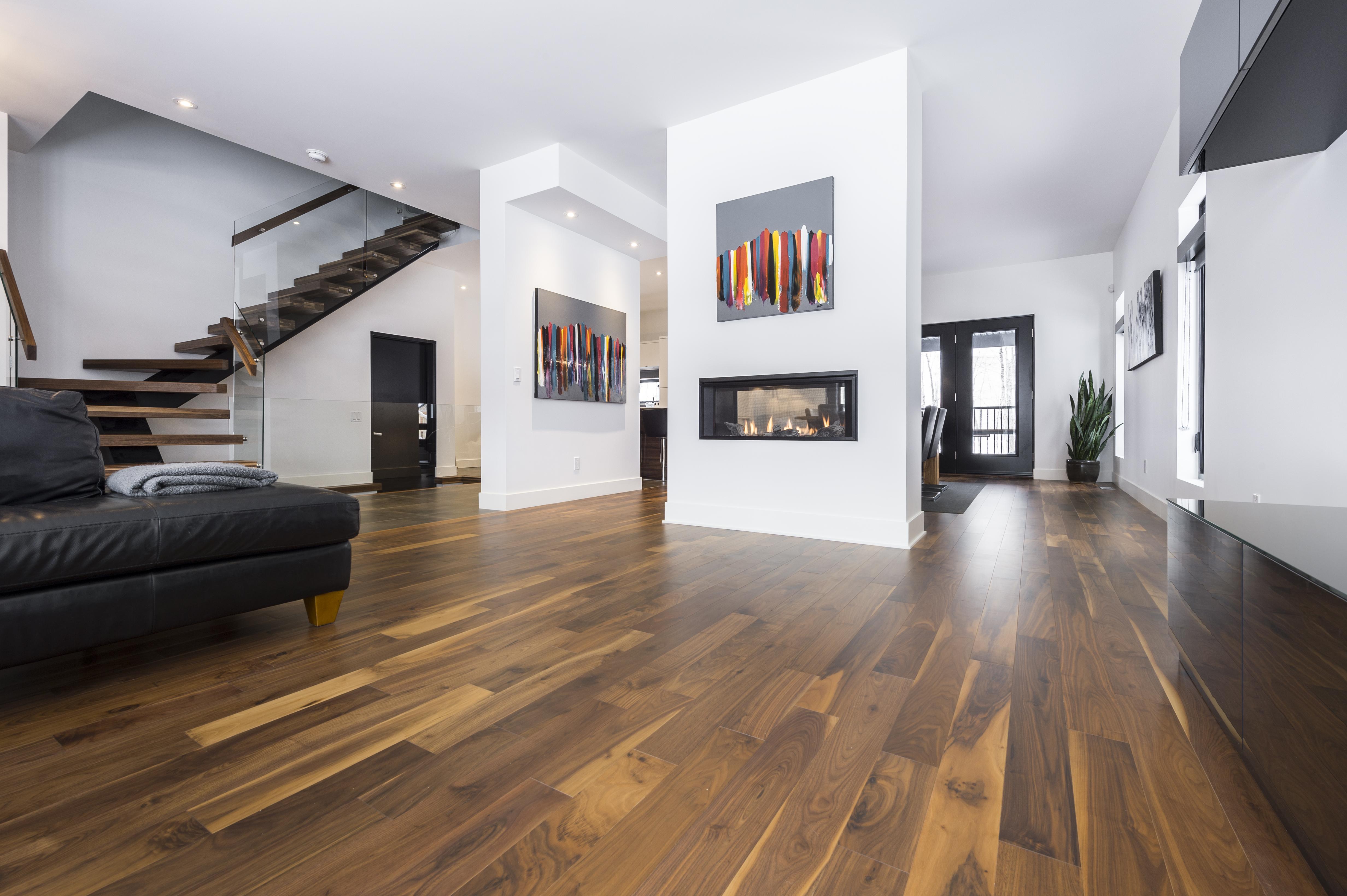 bois franc myrador. Black Bedroom Furniture Sets. Home Design Ideas